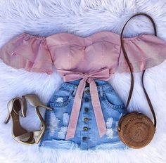 Look do dia 💫 yes or no? Cute Comfy Outfits, Cute Girl Outfits, Kids Outfits Girls, Teenager Outfits, Cute Summer Outfits, Swag Outfits, Girly Outfits, Short Outfits, Pretty Outfits
