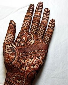 Explore latest Mehndi Designs images in 2019 on Happy Shappy. Mehendi design is also known as the heena design or henna patterns worldwide. We are here with the best mehndi designs images from worldwide. Henna Hand Designs, Dulhan Mehndi Designs, Mehndi Designs Book, Mehndi Designs For Girls, Mehndi Design Photos, Wedding Mehndi Designs, Unique Mehndi Designs, Beautiful Mehndi Design, Mehndi Patterns