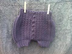 Baby Bloomers Grandma, Crochet  https://www.facebook.com/unikttilsmaarollinger http://karinabrandstrup.wix.com/tilsmaarollinger#!blank-1/zhcap