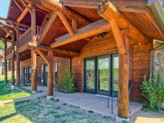 Estes Park Condo A1/2 Estes Park (Colorado) Located in Estes Park, this apartment is 43 km from Harmony. Guests benefit from patio and an outdoor pool.  There is a seating area and a kitchen equipped with a dishwasher. A flat-screen TV is provided.