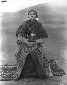 Colville woman, Colville Indian Reservation, Washington, ca. 1900-1910.