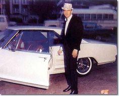 Elvis Presley in His Car | Elvis Presley Photos - Cars and Motorcycles
