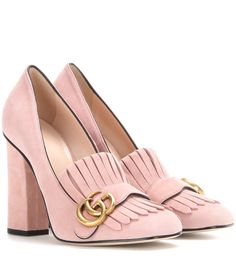 Gucci - Suede loafer pumps - Gucci gives loafers a retro update with fringed detailing and a tall, block heel. The house's iconic logo in antique gold-tone metal complements the shoe's delectable dusty pink hue. Style these with a wollen miniskirt for a vintage-inspired luxe look. seen @ www.mytheresa.com