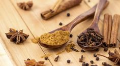 I use cinnamon in coffee and lattes because of the healthy benefits. Here are more holiday spices that are good for you. @mwbforme