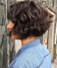 50 Haircuts for Thick Wavy Hair to Shape and Alleviate Your Beautiful Mane