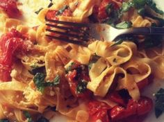 Tomato Basil Pasta | No Bacon Here!