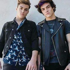 Dolan Twins😍 They're so hot omg💕
