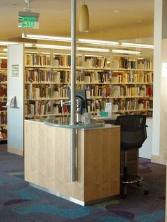 Reference services points at Santa Monica Public Library, California. These are combined with a roving reference service within the library. Library Inspiration, Library Ideas, Reference Desk, Library Furniture, School Librarian, Library Services, Library Displays, Library Design, Santa Monica
