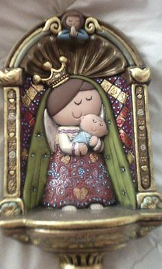 Virgen del carmen ceramica y cristal swaroski Religious Paintings, Religious Art, Biscuit, Diy Angels, Magic Crafts, Polymer Clay Christmas, Catholic Kids, Sculpture Projects, Ceramic Bisque
