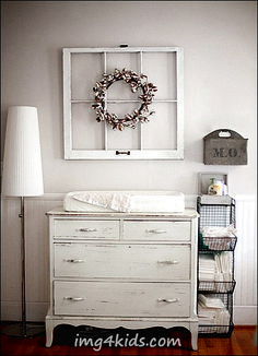 A inspiring collection of gender neutral, farmhouse nursery rooms baby. See them at rustichoney.com #babyroom #farm #vintage