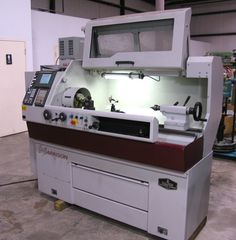 Best I can determine Schaublin makes the smallest of this ilk, but this one is pretty sweet, eh ? Cnc Lathe Machine, Machine Tools, Desktop Cnc, Tool Room, Industrial Machine, Cnc Projects, Home Workshop, Cnc Router, Metal Working