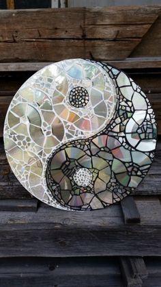 Mosaik CD Collage Yin und Yang Scheibe von Mona-von-Meding