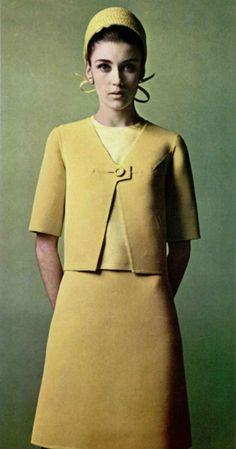French fashion 1960's, mode, Paris, L'officiel magazine 1967 - Gres.
