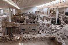 Akrotiri - pretty amazing ancient city, preserved under layers of volcanic ash