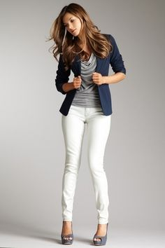 Blue blazer, tank, white skinny jeans, pumps.