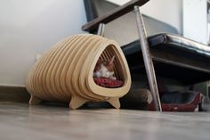 Now a cat can rest in the belly of a fish with its very own little fishy lounge space. #bed #pet #YankoDesign