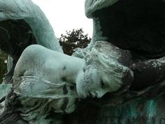 Lancaster angel, East Sheen Cemetery © Jeane Trend-Hill