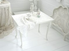 ~○~  Beistelltischchen, Hocker, Creme Weiß   ~○~ von Weidenröschen auf DaWanda.com