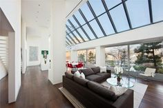 Light-filled penthouse in TriBeCa, New York.