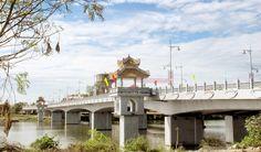 Da Vien bridge in the morning