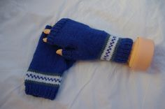 Fingerless Gloves Hand Knitted in Blue and White £8.00