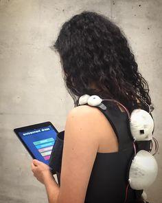 Nuestra modelo Irene Arroyo configurando #environmentdress con la #app creada para el vestido. #wearable #wearables #wearabletech #wearabledevice #fashionable #fashiontech #fablabasturias #maker #makers #mariacastellanos #albertovalverde #uh513 #laboralcentrodearte #telefonicaid #3dprinting #diy #arduino #artwork #artscience #adafruit #mediaart #mediaarts by imperdiblewoman