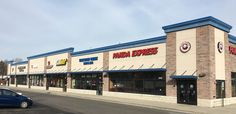Space available in Skokie, IL at Gross Point Crossings!