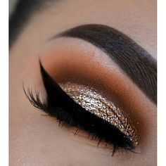WEBSTA @ sassiedoll - LOVE this eye makeup!!! ❤ @hudabeauty @ceirahmua #makeupinspo #eyemakeup #glittereyeshadow #eyeliner #flick #makeup #eyemakeup #gorgeous #inspiration #goldeyemakeup #Beautyblogger #beautyinspo