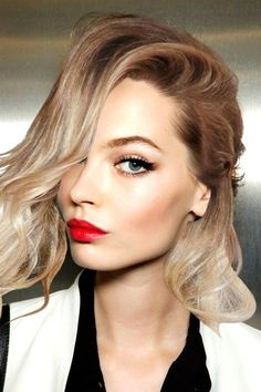 Classic makeup... because you can never go wrong with a red lip!
