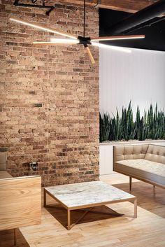 Nosso escritório dos sonhos esta semana foi desenvolvido pela empresa com sede em Sydney aThose Architects.O escritório loft espaçoso pertence a Chicago Ansarada (uma empresa de tecnologia em expansão que responde à evolução das ne