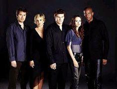 "Season 3 Cast    Wesley Wyndam-Pryce (Alexis Denisof), Cordelia Chase (Charisma Carpenter), Angel (David Boreanaz), Winifred ""Fred"" Burkle (Amy Acker), and Charles Gunn (J. August Richards)."