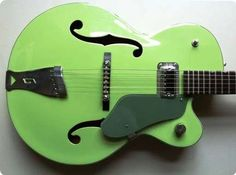Beautiful Gretsch 6125 Single Annie Two-tone Green from 1964 in excellent condition. With matching vintage HSC and strap. Very low action and that great Gretsch sound.