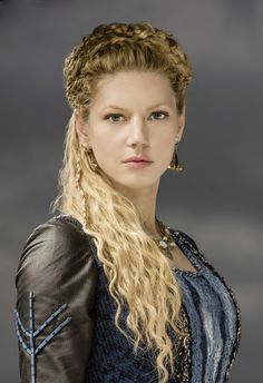Katheryn Winnick as Lagertha in Vikings Lagertha Lothbrok, Vikings Lagertha, Lagertha Hair, Katheryn Winnick Vikings, Vikings Tv Series, Vikings Tv Show, Viking Series, Vikings Season, Viking Warrior