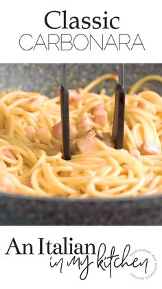 One of the most classic italian pasta dishes la carbonara pancetta and egg pasta a creamy delicious dinner recipe without the cream ready in 15 minutes or less pasta aglio e olio spaghetti with oil and garlic Pasta Recipes Video, Best Pasta Recipes, Healthy Chicken Recipes, Vegetarian Recipes, Cooking Recipes, Egg Pasta Recipe, Vegetarian Italian, Recipe Videos, Italian Pasta Dishes