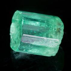 Colombian Emerald 6.30 carats •  • Jeffrey Hunt / Mineral Friends <3