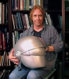 Easily my dream movie prop is Gort's helmet from The Day The Earth Stood Still. Space Tv, Space Photos, Lost In Space, Bill Mumy, Movie Props, Evolution, Riding Helmets, How To Memorize Things, Sci Fi