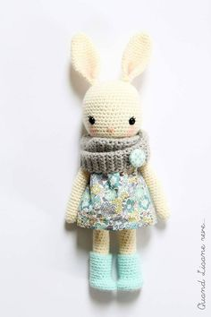 Sweet bunny by Lisane - pattern is by Isabelle Kessedjian in her book 'My Crochet Animals' - purchase English version here: https://www.bookdepository.com/My-Crochet-Animals-Isabelle-Kessedjian/9781446305928