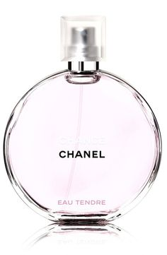 The new incarnation of the decidedly young scent, CHANCE EAU TENDRE Eau de Toilette Spray reveals itself to be both delicate and radiant, with an intoxicatingly light, fruity trail.