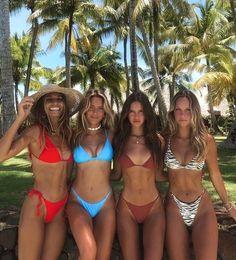 Photos Bff, Best Friend Photos, Best Friend Goals, Friend Pics, Summer Body Goals, Shotting Photo, Cute Friend Pictures, Cute Bikinis, Summer Bikinis