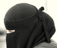 the Beauty of Hijab (+Niqab) Hijab Dp, Hijab Niqab, Girl Hijab, Islamic Fashion, Muslim Fashion, Mode Niqab, Hijab Style Tutorial, Niqab Fashion, Islam Women