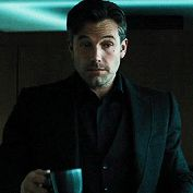 For some reason I am exclusively attracted to affleck as bruce wayne and in no other situation
