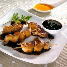Prueba esta receta de brochetas de pollo con un toque muy original de té negro, le darán un sabor muy especial a tus comidas.