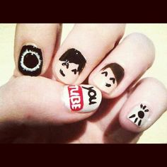 nice Dan and phil nail arttt.<this isn't mine but it's soo cool<I painted this on my cousin so long ago, totally forgot about it Crazy Nail Art, Crazy Nails, Crazy Nail Designs, Nail Art Designs, Punk Nails, Jessie Paege, Dan And Phill, Danisnotonfire And Amazingphil, Sam And Colby