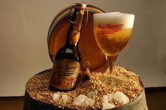 Cerveja Bon Secours Blonde, estilo Belgian Blond Ale, produzida por Brasserie Caulier, Bélgica. 8% ABV de álcool.