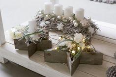 Bilder Weihnachten Okt. 2014 | Willeke Floristik Christmas Advent Wreath, Nordic Christmas, Christmas Is Coming, Christmas Design, Christmas Home, Christmas Crafts, Christmas Centerpieces, Xmas Decorations, Candle Arrangements