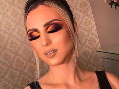 glowing makeup look Unique Makeup, Love Makeup, Makeup Inspo, Eye Makeup Tips, Makeup Goals, Beauty Makeup, Makeup Eyes, Prom Makeup Tutorial, Blonde Hair Makeup