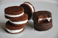 chocolate cookies Oreo, Tuscany Food, Cooking Humor, Crazy Cakes, Cookie Desserts, Chocolate Lovers, Cookies Et Biscuits, Chocolate Cookies, I Love Food