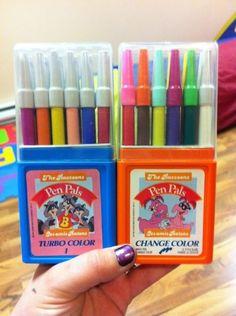 Oh! Mon dieu!!! J'aimais tellement ces crayons, j'aimais surtout les utiliser en même temps que regarder l'émission!!!