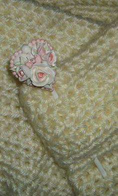 #hand_made #CreatingCottage #Roses #CottageStyle #Cottage #ShabbyChic #Shabby #Chic #Decor #white #pink  #knitting #crochet #shawl @Renee Holtzer