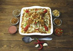 Traditional Egyptian Food Guide: 20 Must Eat Foods in Cairo, Egypt - kkkll - African Food Comfort Foods, Koshari Recipe, Israel Food, Great Vegetarian Meals, Vegetarian Recipes, Vegetarian Italian, Tasty Meals, Italian Foods, Denver Food